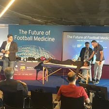 SIS_future-of-football-medicine_therapy