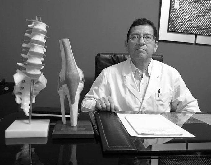 Dr_Julio_Segura_Peru_bw